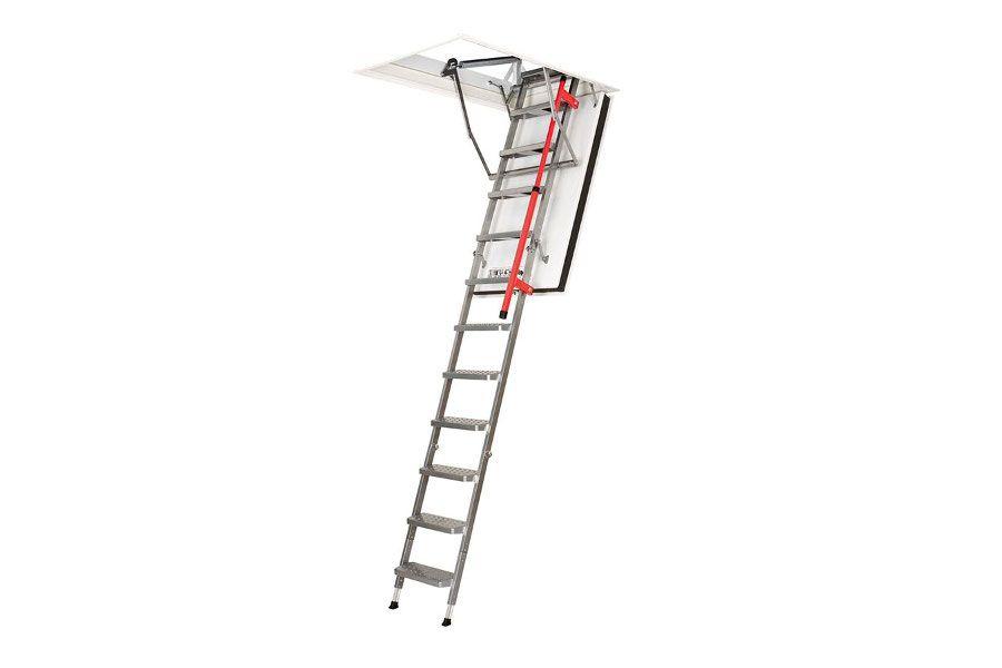 Escalera plegable de metal con pasamanos ergonómico Plásticos y Claraboyas Matilla