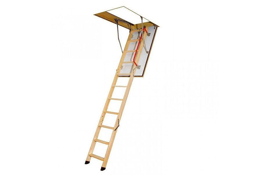 Escalera escamoteable por tramos para techo. Fabricada en madera con barniz ecológico